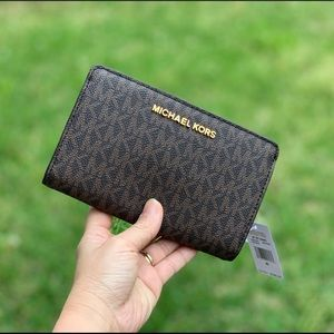 NWT MichaelKors Bifold Wallet-Brown MK
